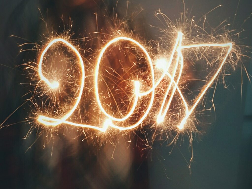 How To Set New Year's Goals You'll Stick To by Certified Personal Trainer and Healthy Lifestyle Coach Jennifer Ledford